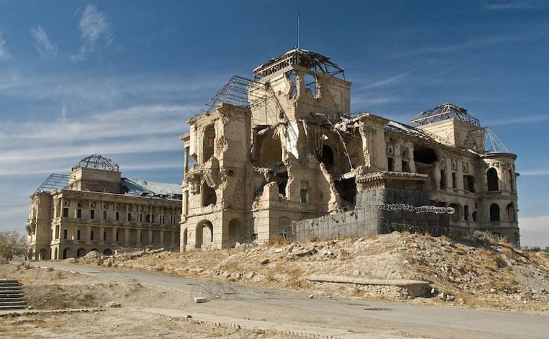 palace en ruine en afghanistan