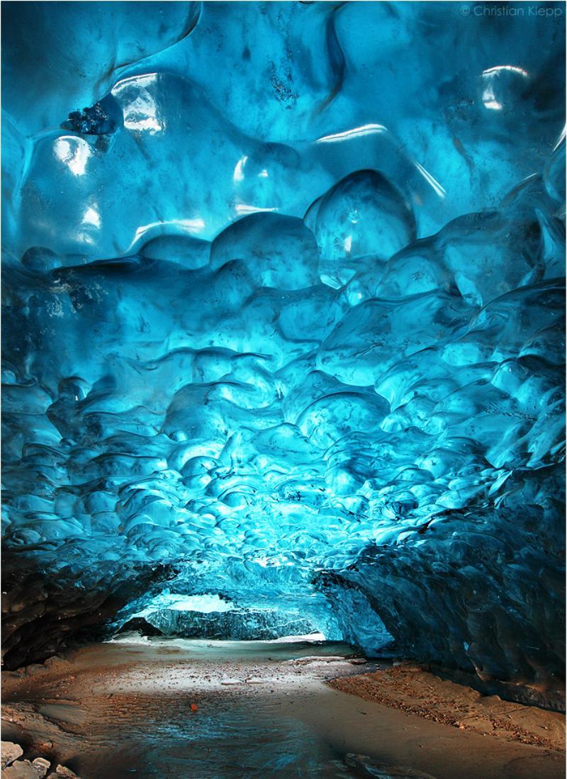 grotte de glace bleue