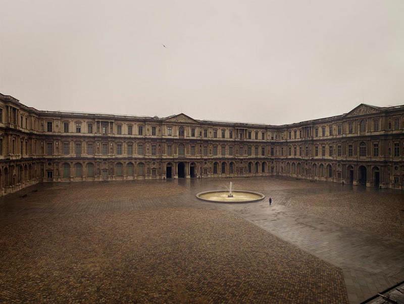 Cour du Louvre vide, Paris