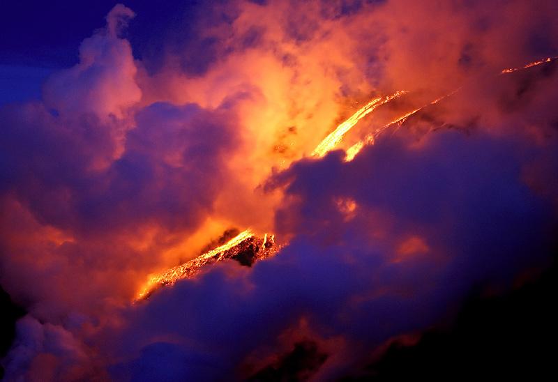 lave de volcan en Islande