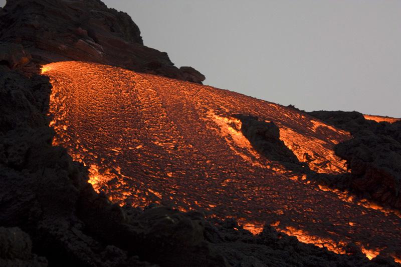 lave du volcan Pacaya au Guatemala