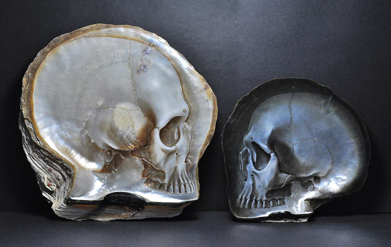 sculpture en nacre de crâne
