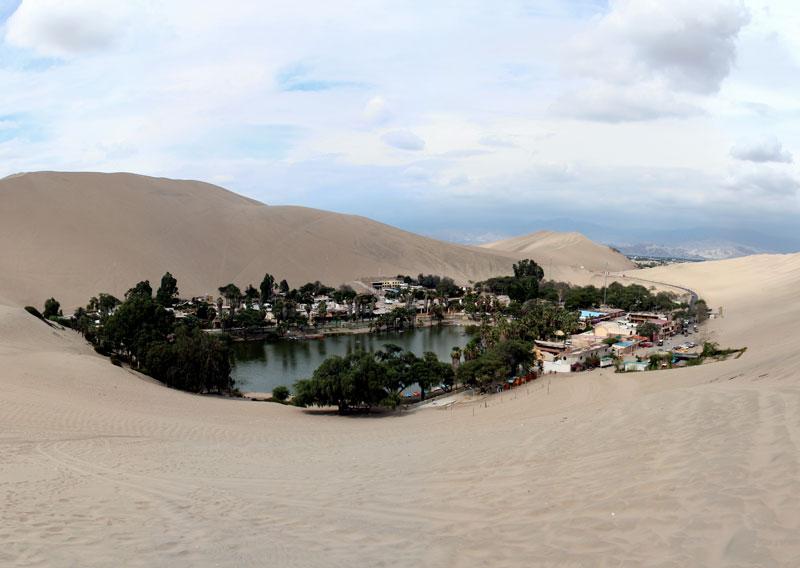 oasis dans le désert au Pérou