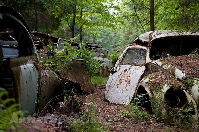 cimetière de voitures à Chatillon en Belgique