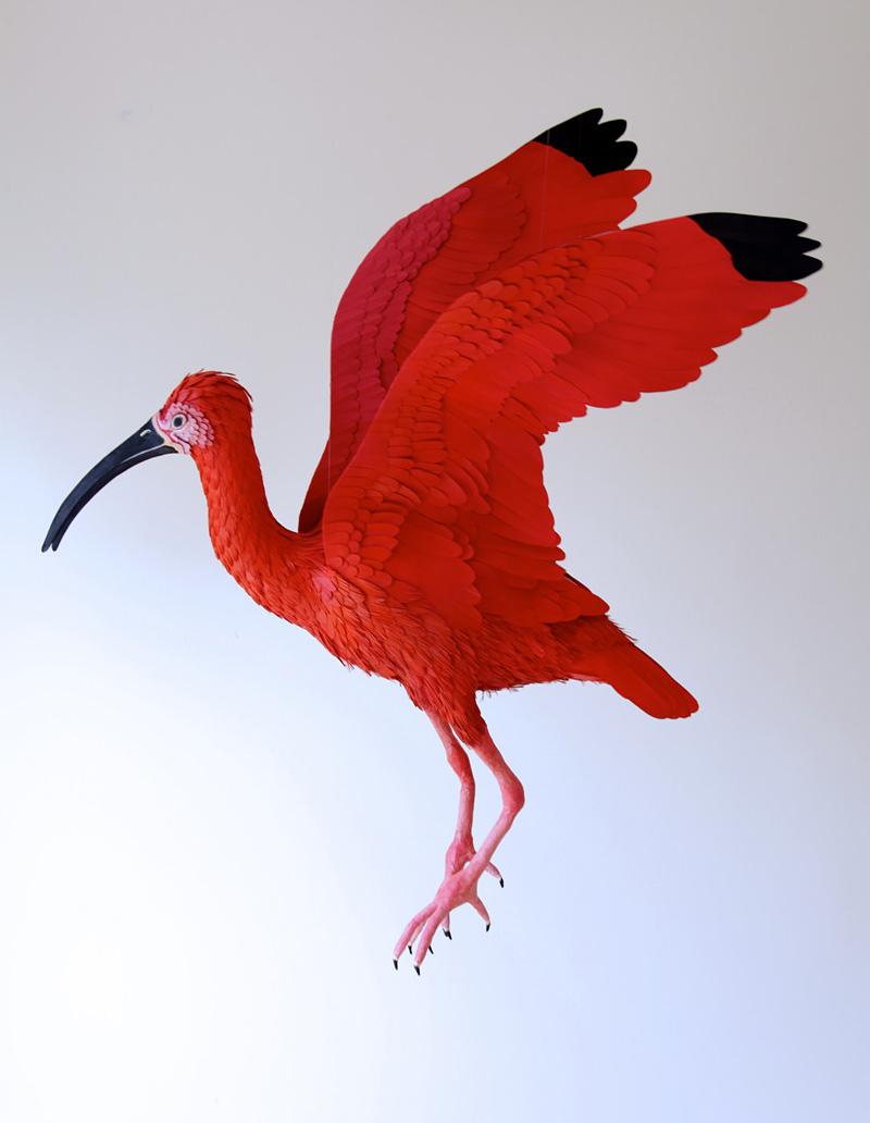 sculpture d'oiseau en papier
