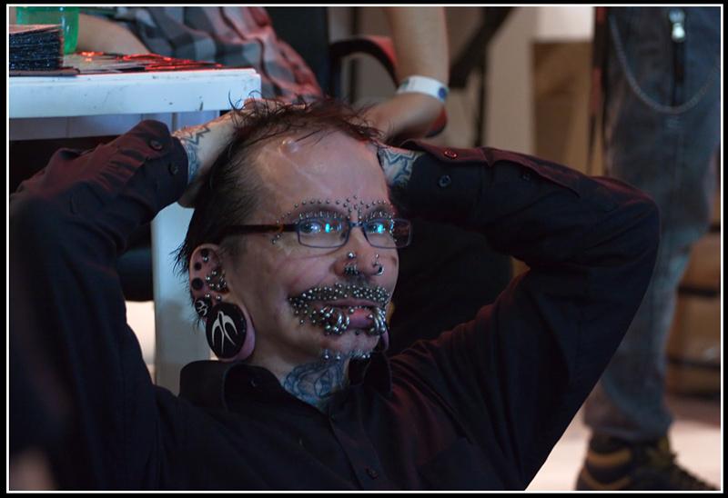 Rolf Buchholz, l'homme le plus percé dans le monde avec 453 piercings