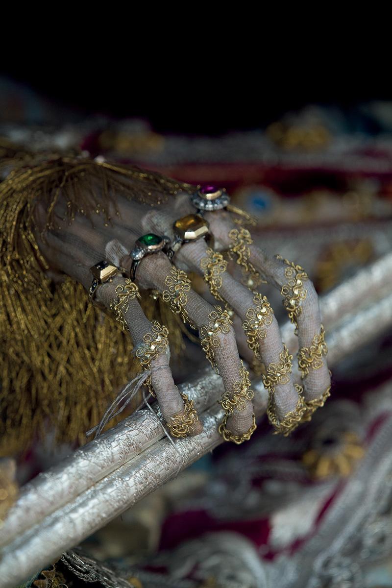 Reliquaires avec des squelettes de Saints catholiques