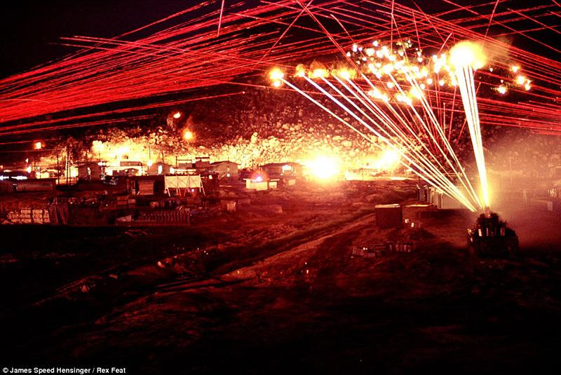 Images d'un intense échange de feu au Vietnam 1970