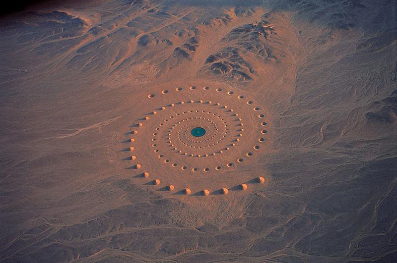 land art dans un désert en Egypte