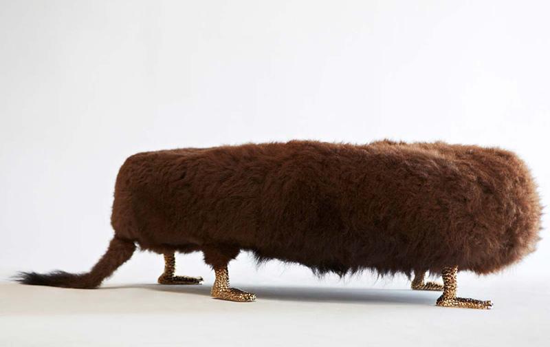 mobilier qui ressemble à des animaux de taxidermiste