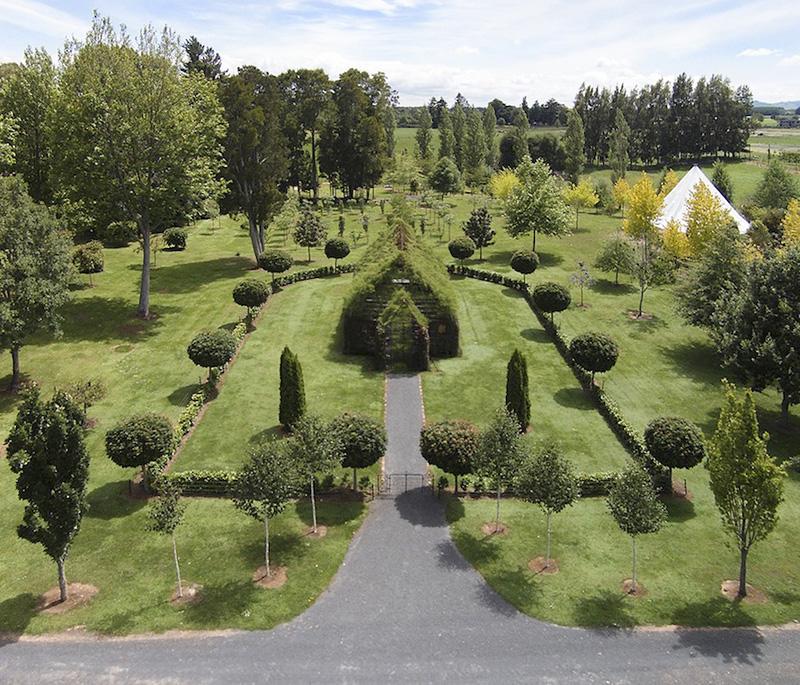 chapelle en Nouvelle-Zélande réalisée avec de vrais arbres vivants