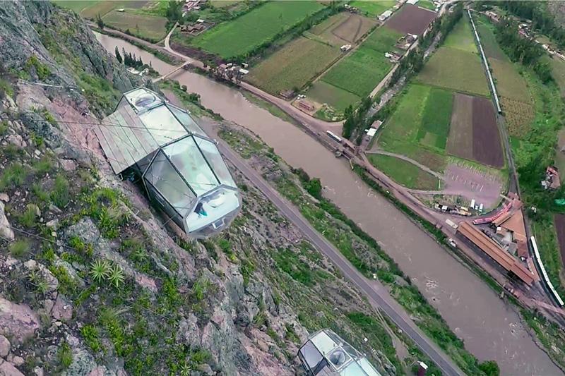 Capsules de couchage transparentes au Pérou