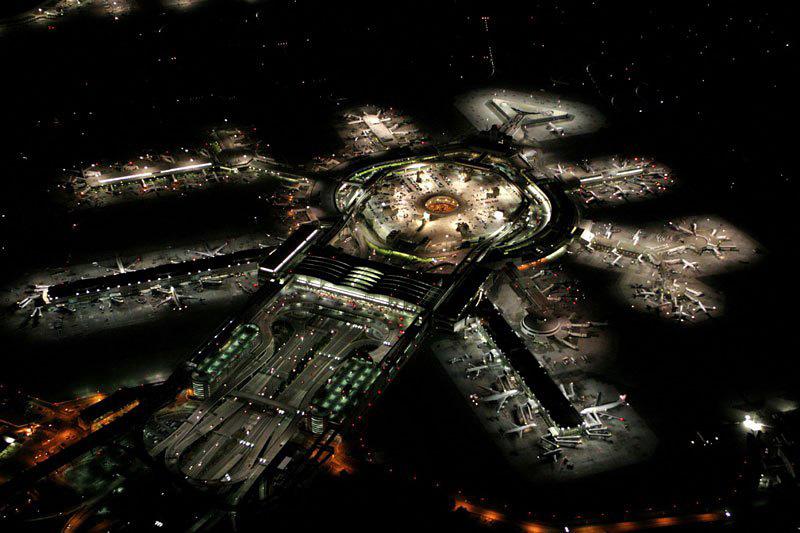 Aéroport de San Francisco vu de nuit