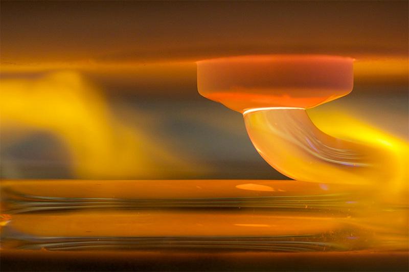 Impression en 3D avec du verre fondu à 1900 degrés