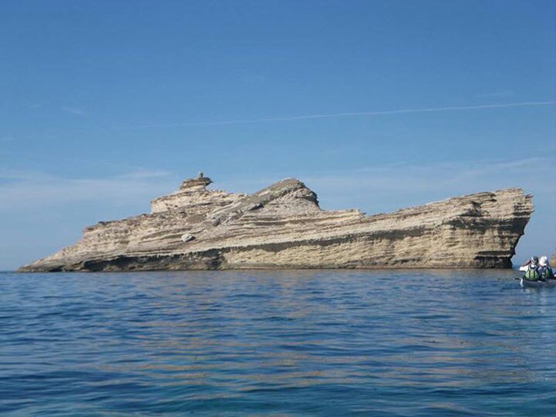 Rocher en forme de navire en Corse