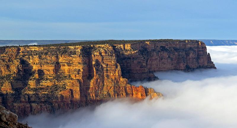 la brume envahit le Grand Canyon