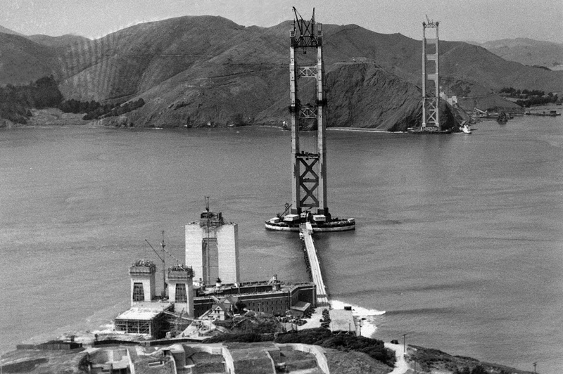 Construction du Golden Gate Bridge de San Francisco
