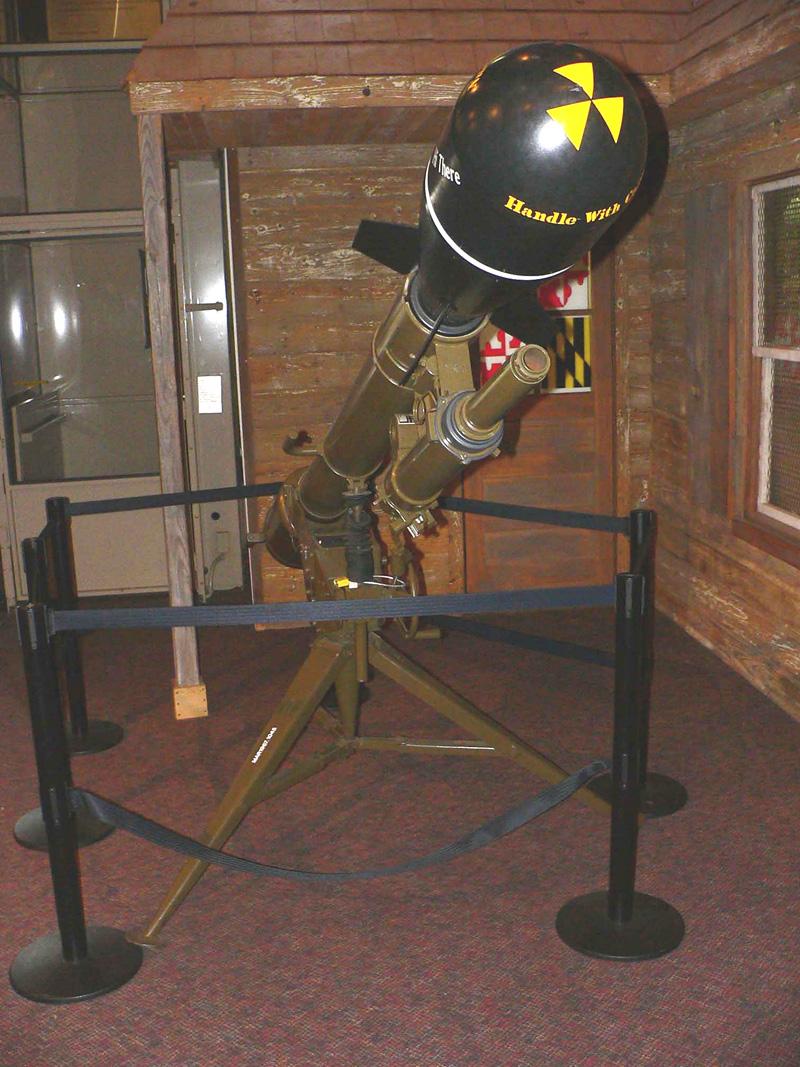 Lance-roquette avec bombe nucléaire