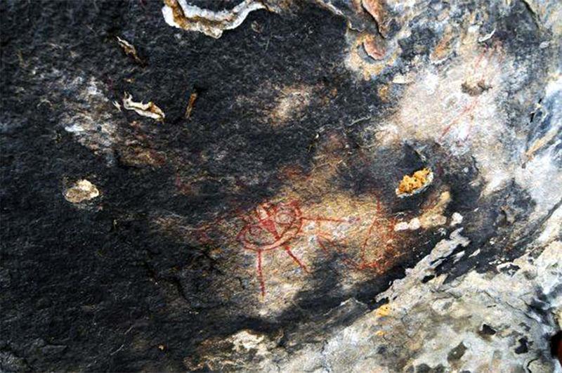 Peinture rupestre de 10.000 ans représentant des ovnis et extraterrestres à Chhattisgarh