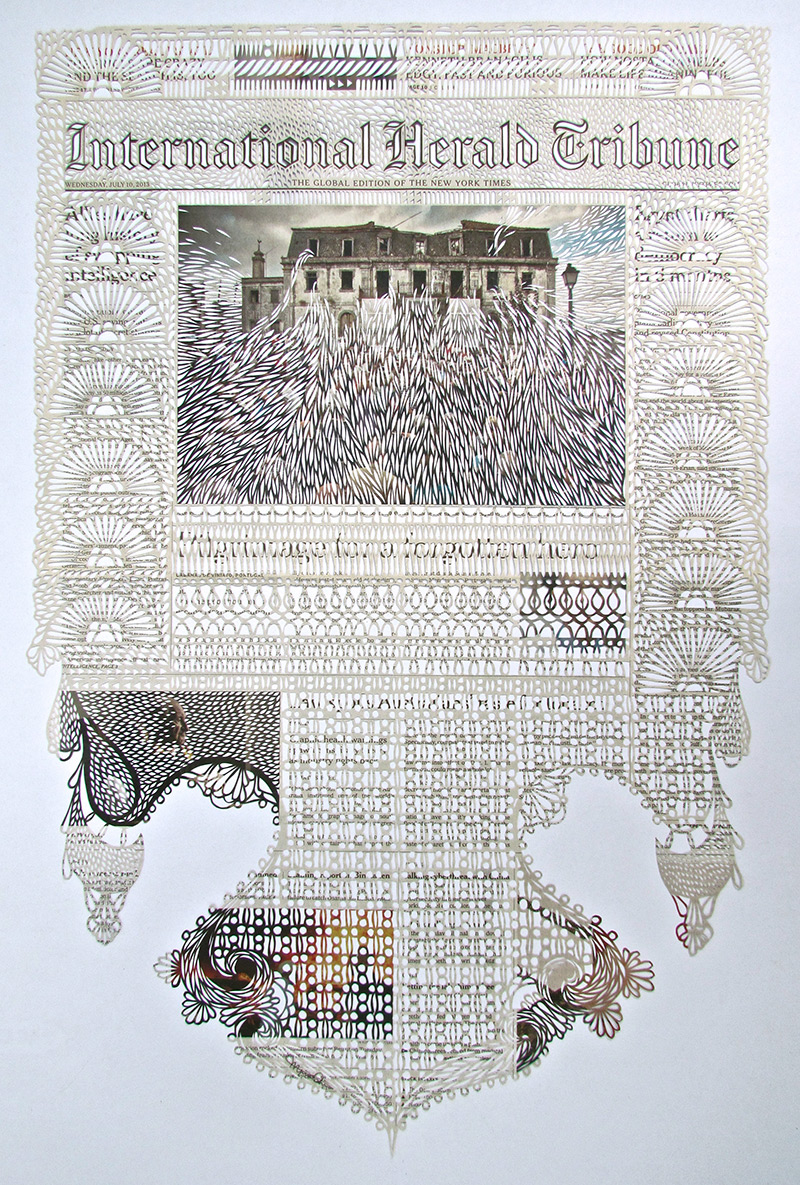 Pages de journaux découpées en dentelles par Myriam Dion