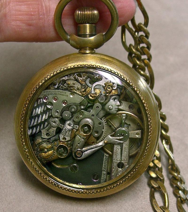 sculpture avec éléments de montre