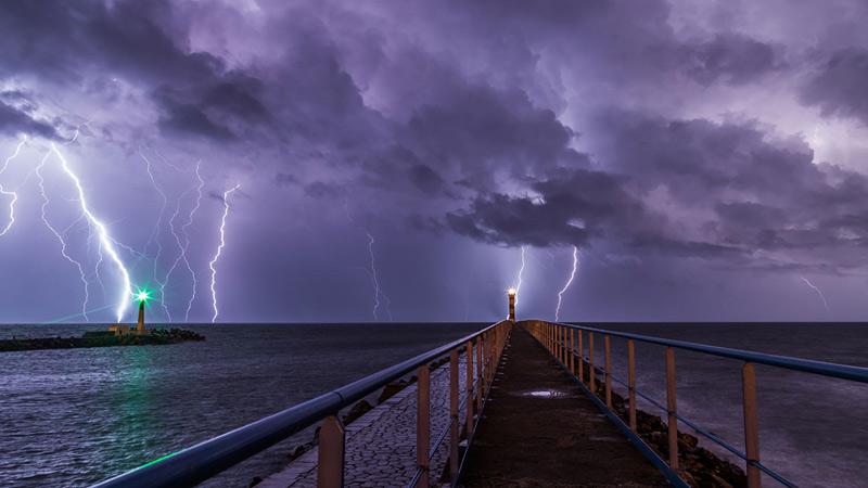 Orage et éclairs à Port-la-Nouvelle en France