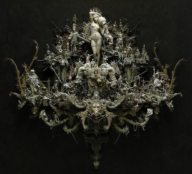 sculpture de Kris Kuksi
