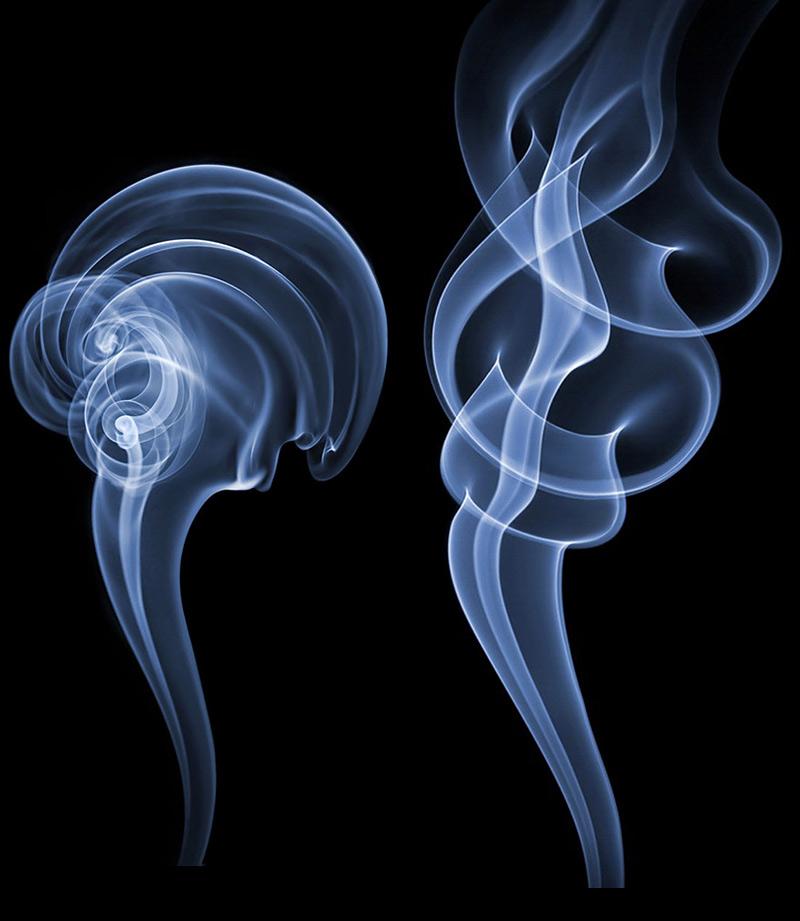 Panaches de fumée et paréidolie