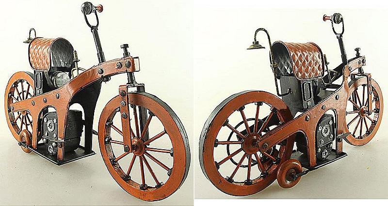 La première moto inventée par Mercedes-Benz en 1885