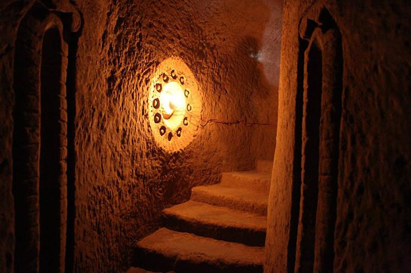 cave de Levon Arakelyan