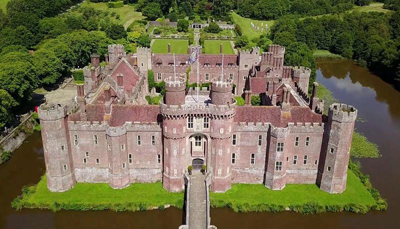 Château de Herstmonceux en Angleterre, le Pink Castle