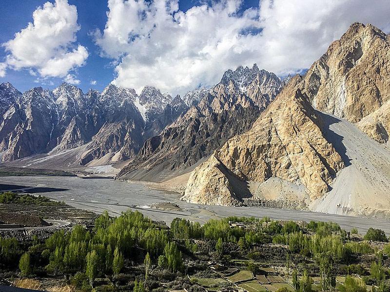 cônes de Passu au Pakistan