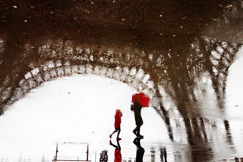 ville de Paris sous la pluie