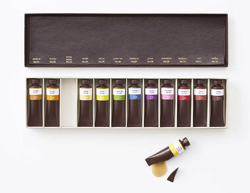 Tubes de peinture et crayons hyper réalistes en chocolat